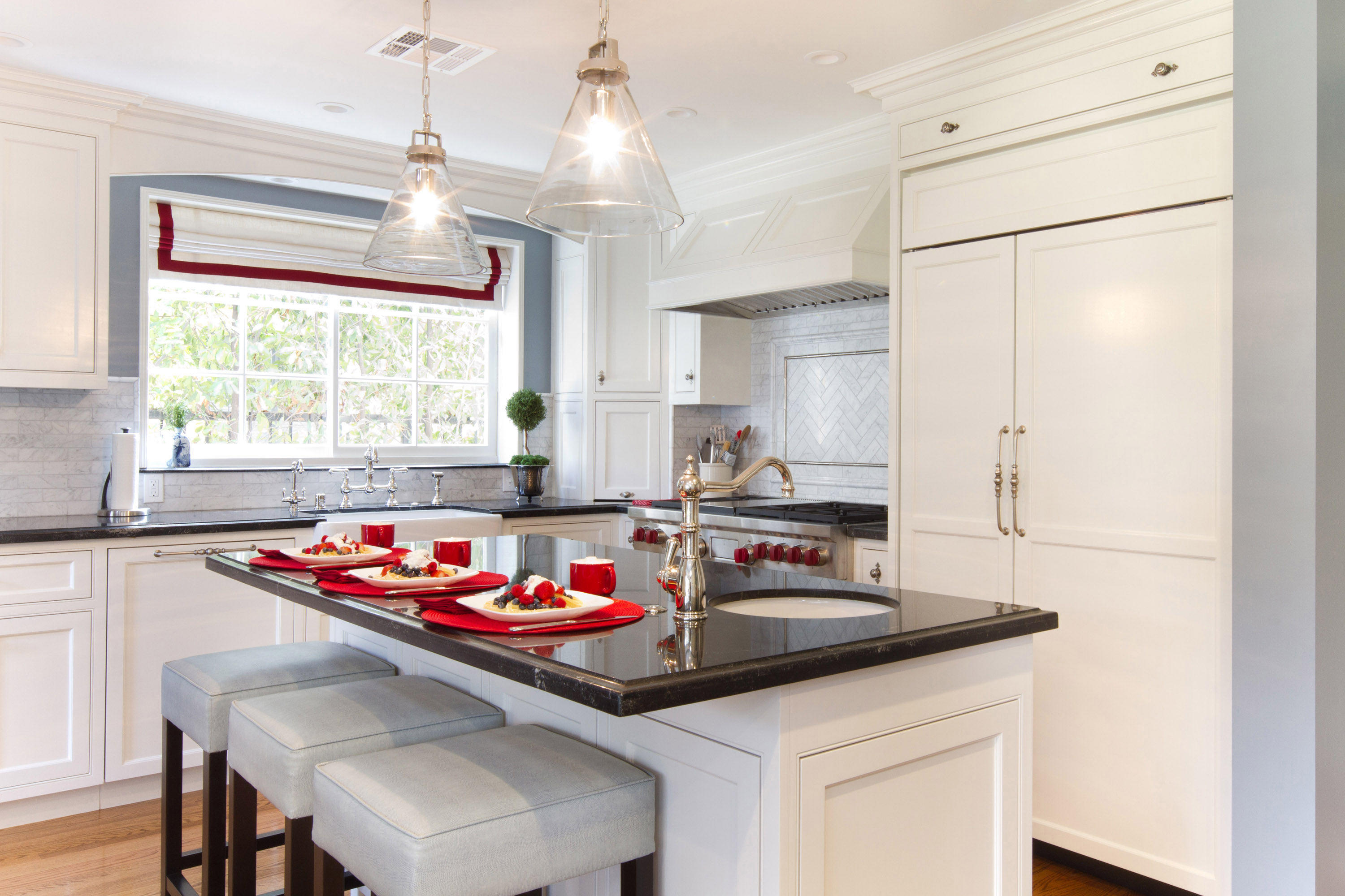 Colonial Kitchen in San Marino | Charmean Neithart Interiors designs ...