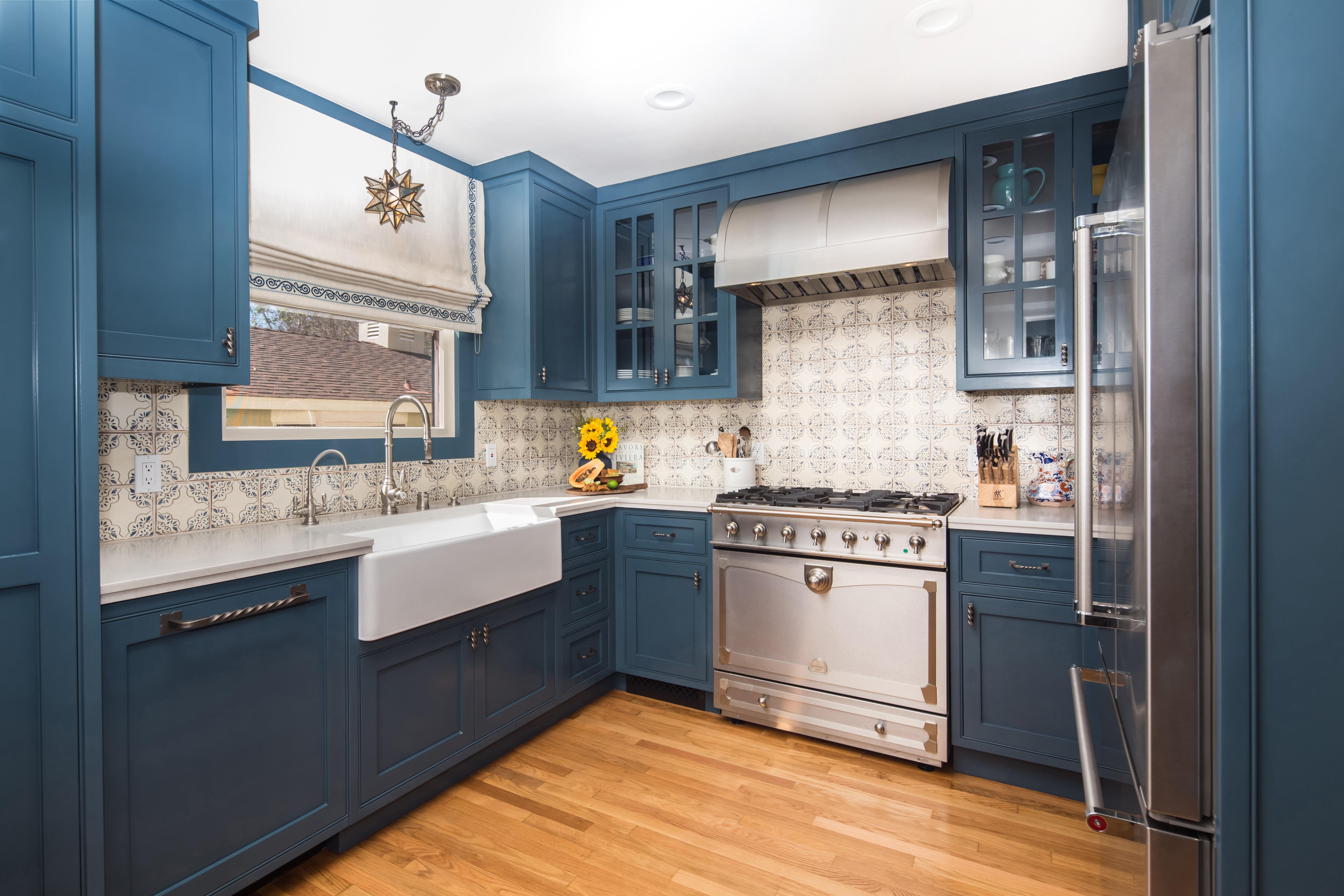 Small Spanish Style Kitchen Charmean Neithart Interiors